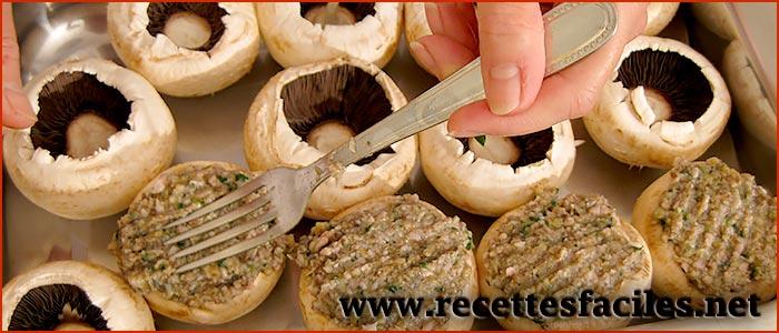 Champignons de paris farcis la recette des champignons de paris farcis l 39 ail et au persil et - Champignon de paris a la poele ...